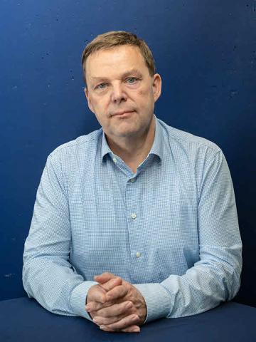 Portret Peter Laroy